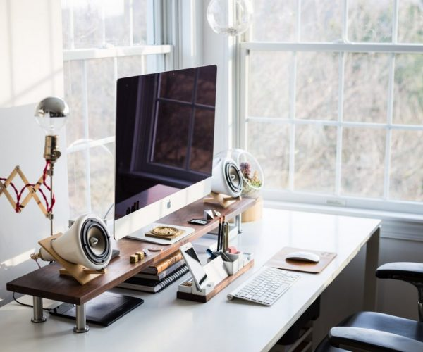 Tips to decorate an office